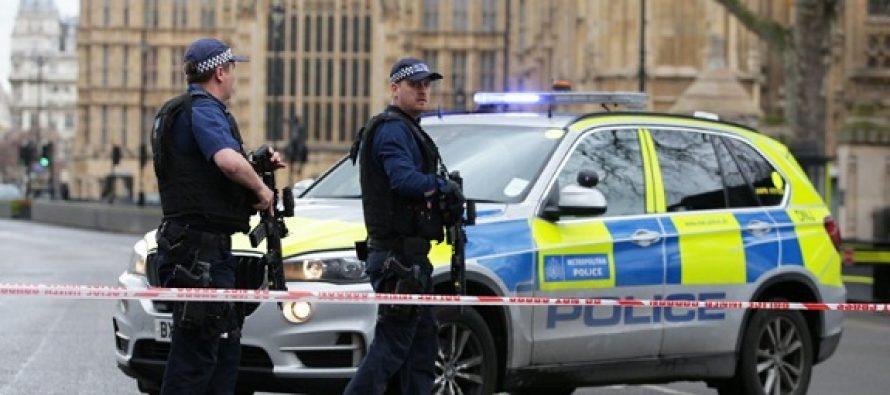 Atac terorist la Londra. Mai multe persoane injunghiate pe strada, atacatorul a fost ucis