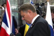 Iohannis, taxat de presa britanica dupa ce a mutat steagul Marii Britanii plasat intre el si jurnalisti. VIDEO