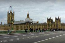 Parlamentul din Londra, evacuat dupa o alerta de securitate