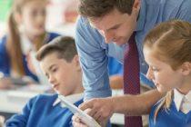 Mii de profesori din Romania si-ar putea pierde locul de munca dupa reducerea numarului de ore in invatamant