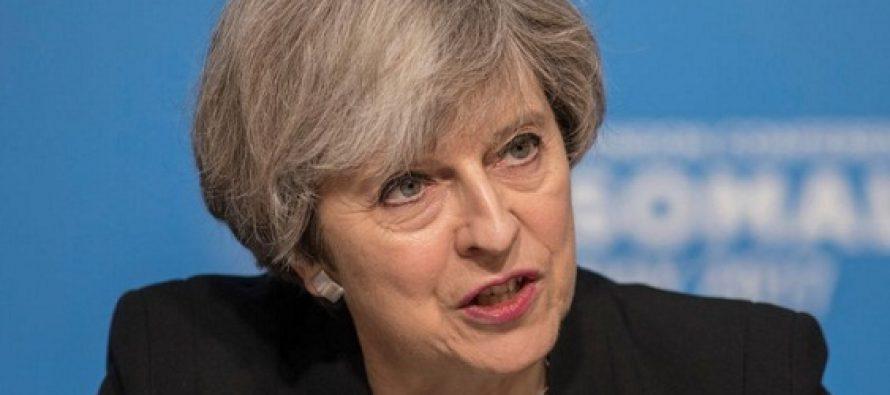 Theresa May, in pericol de a fi destituita din fruntea Guvernului Marii Britanii. 40 de parlamentari din Partidul Conservator cer inlocuirea ei