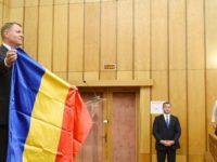Presedintele Iohannis a primit cadou steagul Tinutului Secuiesc. Raspunsul sau pentru primarul din Miercurea Ciuc a venit pe masura