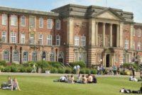 Universitatile din Marea Britanie ofera burse garantate studentilor romani admisi in sesiunea de admitere din 13 – 14 iulie din Romania