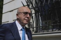 Omul de afaceri Puiu Popoviciu a fost retinut la Londra de Politia Metropolitana si ulterior pus in libertate dupa plata unei cautiuni de 200.000 lire