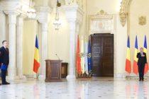 Romania are noi ministri la Aparare si Economie, presedintele Iohannis i-a investit in functii