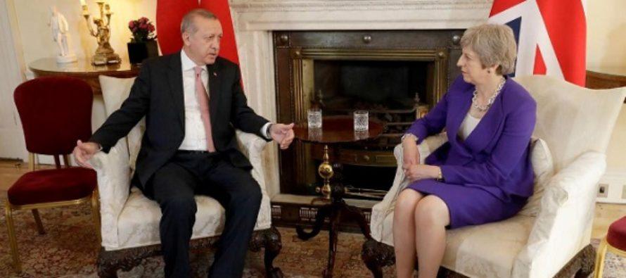 Presedintele Turciei s-a intalnit la Londra cu Regina Elisabeta a II-a si cu premierul Theresa May. Discutiile au vizat perspectiva Brexit