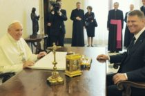 Presedintele Iohannis sustine ca Dancila ar fi inteles prost ca Papa Francisc va efectua o vizita in Romania anul viitor: O confuzie inexplicabila