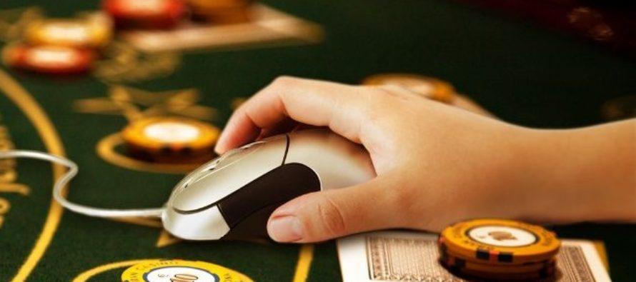 Surprinde-ti iubitul/iubita cu niste cadouri traznite din lumea cazinourilor online