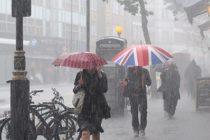 Marea Britanie se confrunta cu furtuni si inundatii de amploare. Ploile vor continua, potrivit Met Office