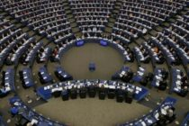 Acordul pentru Brexit este aprobat astazi de Parlamentul European. Michel Barnier avertizeaza asupra riscului ruperii brutale a relatiilor UE-UK