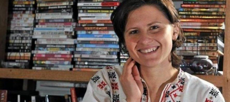 Franta a numit o romanca in functia de ministru al Sporturilor. Este vorba de Roxana Maracineanu, fosta campioana de natatie