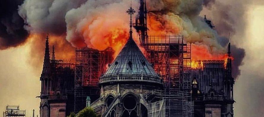 Catedrala Notre Dame din Paris, mistuita de flacari! Ar putea, oare, aceasta nenorocire, sa-i resudeze pe francezi ca natiune?