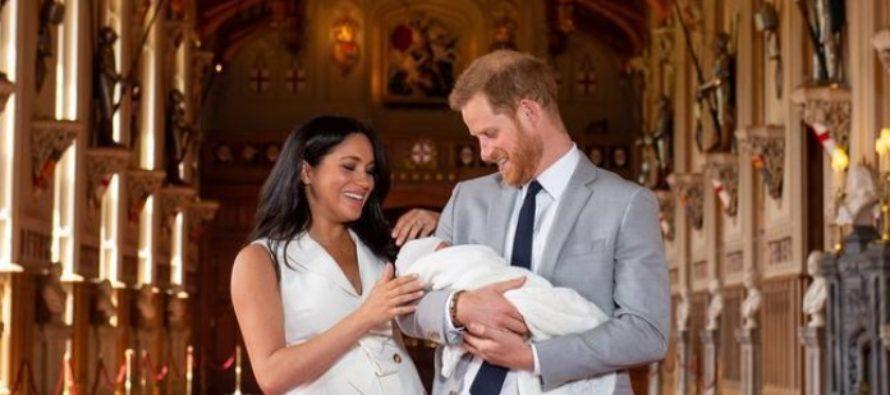 A fost anuntat numele noului bebelus regal al Marii Britanii. Fiul ducesei Meghan de Sussex si al printului Harry a fost prezentat Reginei Elisabeta