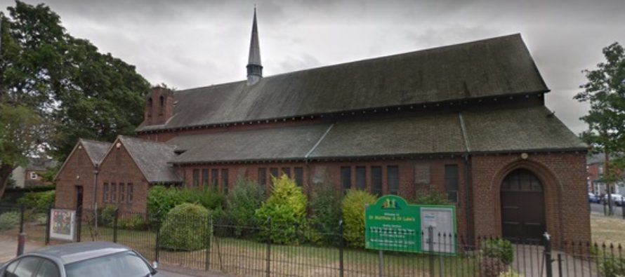 O biserica anglicana din Marea Britanie a starnit controverse legate de planurile sale de a acoperi imaginile religioase in timpul unei rugaciuni musulmane