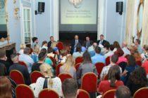 Ambasada Romaniei in Marea Britanie a avut consultari cu reprezentantii partidelor politice si ai asociatiilor romanilor din UK pe tema alegerilor prezidentiale