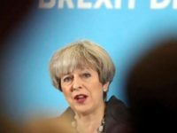 Premierul Theresa May supravietuieste in Partidul Conservator, unde a primit un vot de incredere, insa problema Brexit ramane