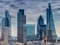 Economia Marii Britanii, cu 3,5% mai mica pe termen lung pe fondul acordului Brexit