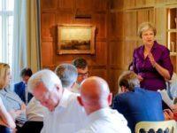 """Marea Britanie, incotro? Theresa May ia foarte in serios perspectiva unui """"hard Brexit"""" si recunoaste ca guvernul de la Londra a pregatit mai multe scenarii de siguranta"""