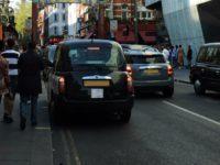 O noua taxa de poluare a intrat in vigoare la Londra. Banii se adauga unei alte taxe pe care o platesc toate masinile care circula in centrul capitalei britanice
