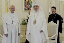"""Papa Francisc a rememorat, la intalnirea cu Patriarhul Daniel, vizita Papei Ioan Paul al II-lea: Cum sa nu ne amintim strigatul spontan de """"Unitate, Unitate!"""" care s-a auzit aici, la Bucuresti?"""
